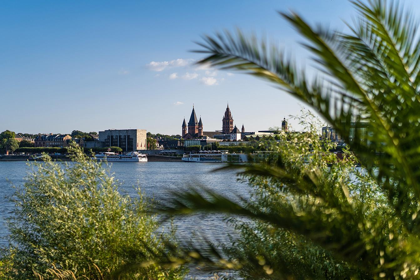 Mainz Stark Rheinufer